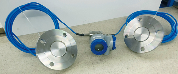 Fuji differential pressure transmitter with remote seals for level measurement in a pressurised tank